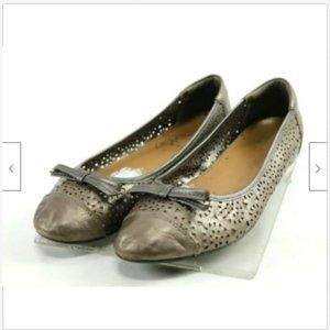 Clarks Bendables Women Perforated Flat Shoes Sz8.5